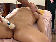 Passionate masseur gives marvelous massage to oiled up blonde