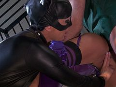 Catwoman breaks into jail to have a threesome with The Joker