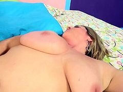 Blonde cougar with bery big tits gets fucked nicely