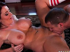 Mr. Pete loves always wet warm love hole of Sophie Dee with big ass