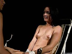 Brunette Mandy Bright and Barbie Pink show their love for pussy fingering