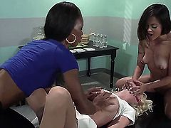 3 super slutty lesbians eating pussy action. Two ebony teen chicks and a hot blonde college babe ass licking and pussy fucking hard.