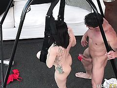Tommy Gunn is one hard-dicked dude who loves screwing Gabriella Paltrova in her asshole