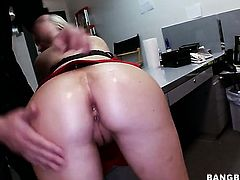 Abbey Brooks with juicy ass shows her slutty side in cumshot action