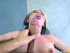 Sporty babe Jeanie Marie Sullivan bares her perfect boobs and takes meaty cock in her mouth before it comes to pussy pounding. Watch well stacked sporty babe with nice clean pussy suck and fuck at the gym!