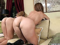 Jazmyn with juicy butt howls in lesbian sexual ecstasy with Monique Fuentes