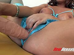 Curvy dark haired chick in blue stockings Sabrina Maree performs hard solo