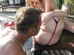 Roxxxy Rush keeps her ass cheeks spread to be anally penetrated by Rocco Siffredi
