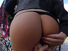 Erica Fontes gets offered a bit of money in order to have sex outdoor with one horny dude. She accepts and now we get to see her show off her fuck skills.