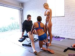 Marry Lynn is a slutty bitch, eager to share cock with a blonde-haired busty lady. The horny mum gets on knees, showing her how's it made, sucking dick to the balls with a lascivious passion. Click to watch sexy Audrey face sitting, while the naughty babe enjoys the kinky reverse cowgirl position.