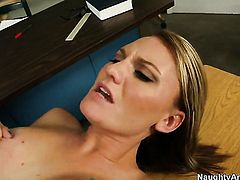 Jordan Denae shows her slutty side to horny bang buddy Justin Magnum