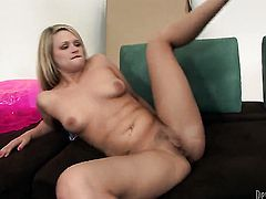 Sexy bombshell Heather Starlet and her horny bang buddy both enjoy blowjob session