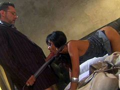 Kaylani Lei gets her exotic snatch eaten out