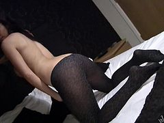 Tearing off her tight yoha pants to show us her hot snatch