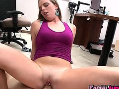 Sexy slut comes in for a casting