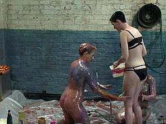 sploshing: sexy sensation with food for play and pain