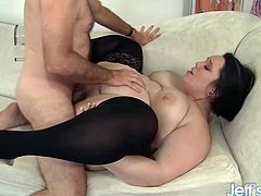 Alexxxis Allure - Deep in the Plump