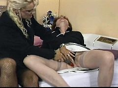 These horny old lesbians are not afraid to express their kinky fantasies! Click to watch slutty Ellen, seducing a naughty granny, who's eager to show her lusty cunt. See the elegant blonde slut, wearing sexy fishnet stockings and high heels, spreading legs widely for bitchy Rosemay.