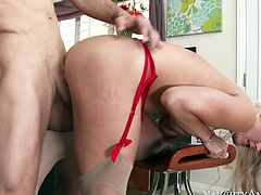 Wild blond haired and full figured nympho gets nailed from behind