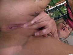 Blond haired sexy lady Riley Evans gets her kitty fingerfucked a lot