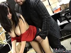 Damiyana is a secretary
