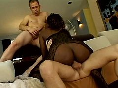 Mesmerizing threesome with ebony Eve Mayfair and two white men