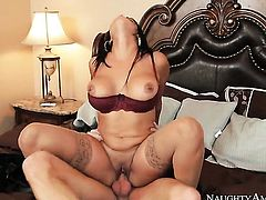 Ryan Mclane bangs Diamond Kitty with juicy jugs and bald pussy as hard as possible in hardcore action