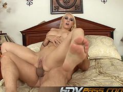 Sexy Blonde Kagney Linn Karter Licked And Fucked