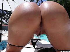 Curvy black haired sexy Lela Star with huge bubble butt and massive knockers pulls off her g-string and gets facesitting session started by the pool. She shakes her booty and he licks her snatch!