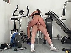 Knots in the gym fucks guy