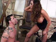 Jack Vegas uses his throbbing love stick to make Ariella Ferrera happy