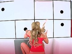 Samantha Saint in an awesome glory hole