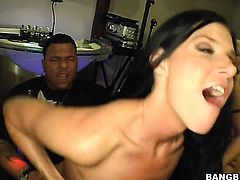 Senora India Summer with juicy bottom and Savannah Stern spend their sexual energy together