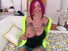 Tattooed playful redhead Anna Bell Peaks bares her perfect big tits and shaved snatch in a car and then again in the comfort of her room. Busty lady shows her naughty parts with smile on her face.