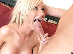 Kaylee Hilton gives head to hot bang buddy