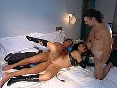 Leather gloves and boots on a slut in a threeway