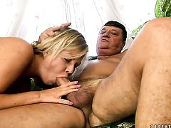 Blonde Sunny Diamond blows dudes dick enthusiastically