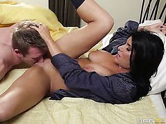 Romi Rain with giant breasts makes Bill Bailey happy by blowing his meat stick