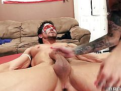 Tommy Gunn is ready to make breathtakingly sexy Bonnie Rottens every sex fantasy come true