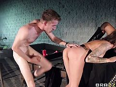 Juelz Ventura cant resist the temptation to take Danny Ds sturdy dick in her love tunnel