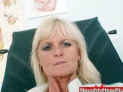 Mom Frantiska puss gaping in nurse uniform at clinic