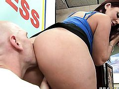 Sophie Dee with phat bottom takes Johnny Sinss tool in her ass way