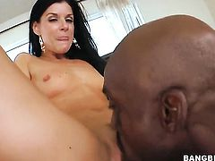Brunette India Summer gets pleasure with love cream on her nice face