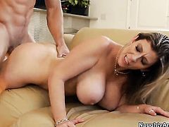 Sara Jay with round butt and trimmed bush has some time to get some pleasure with Johnny Castles thr