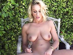 Lexi Swallow will get you hot with her sexy body
