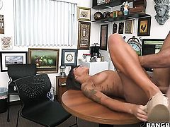 Brunette chicana London Winters with bubbly ass knows that hard boner in hands is the only thing that can make her feel better