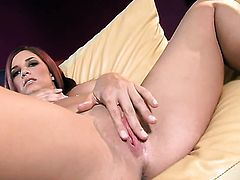 Jayden Cole gets naked to give a close-up of her beaver in solo scene