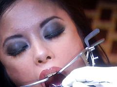 Lustful harlot Kaylani Lei holds her mouth wide open while getting cummed on