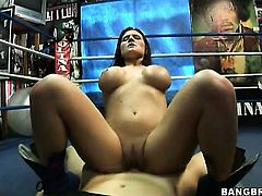 Brunette Austin Kincaid with big ass lets man fuck her sweet mouth