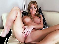 Angela Sommers has some time to rub her muff